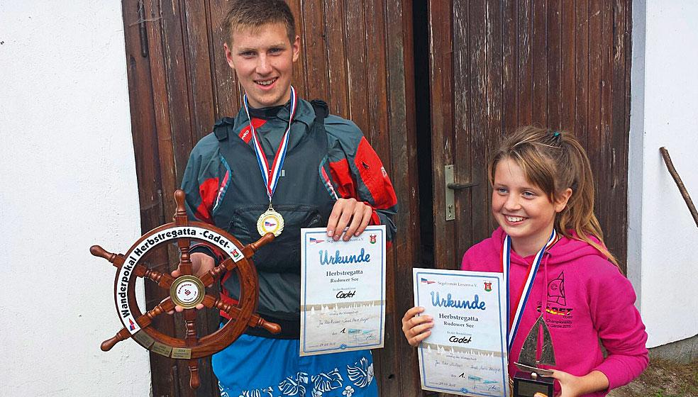 Der erfolgreiche Nachwuchskader   des Kenterklubs Siethen,  Jan-Peter Nicolaus mit Vorschoterin Sarah Knospe.
