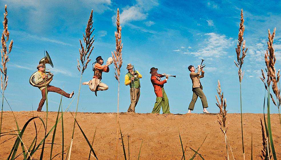 Copyright: Sven Hagolani www.hagolani.com