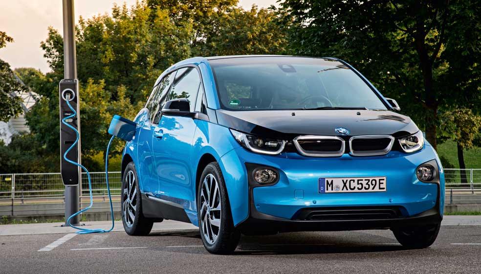 Der BMW i3 fährt bis zu 200 Kilometer elektrisch. (Foto: BMW AG)